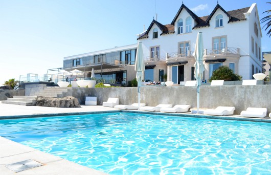 Farol Cascais mit pool