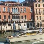 Palazzo Cavalli mit Boot