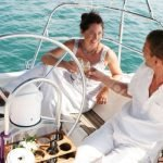 yachtkreuzfahrt-braut-und-braeutigam