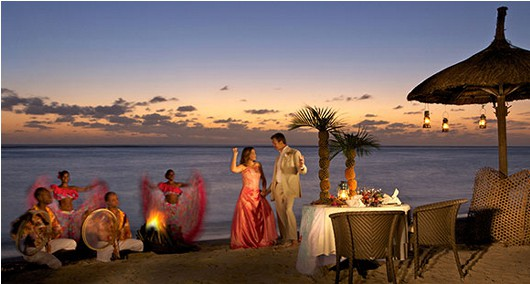 sugar-beach-night-wedding